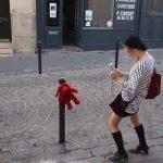 18ème arrondissement – La fille à la peluche de la rue la Vieuville