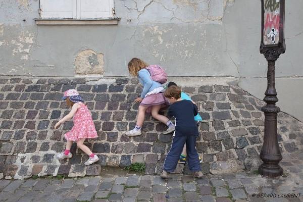 Paris 18ème - Marcher sur les murs rue Saint Eleuthère