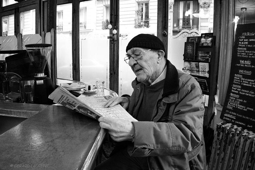 11ème arrondissement – Boire son café au comptoir du Pure Café