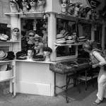 3ème arrondissement – Le marchand de chapeaux de la place des Vosges