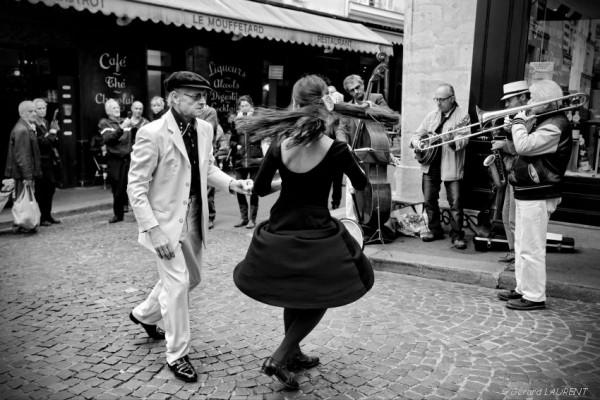 Jazz Band et pas de danse à Mouffetard