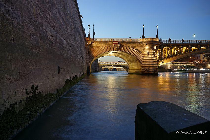 Crépuscule quai de Corse sur le Pont Notre Dame