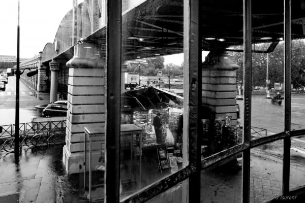 13ème arrondissement - Le marchand de journaux du pont de Bercy