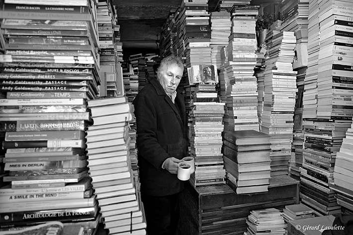 140005 - Léo, le libraire de la rue Boulard - photo gérard Lavalette