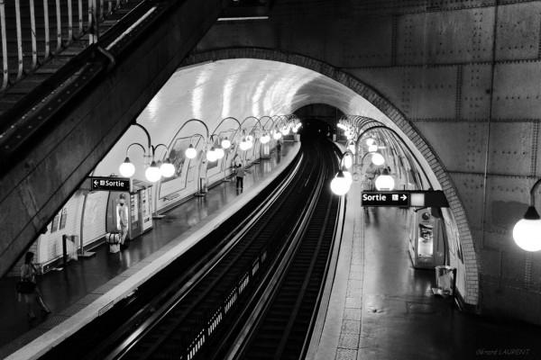 040056 - station de métro Cité