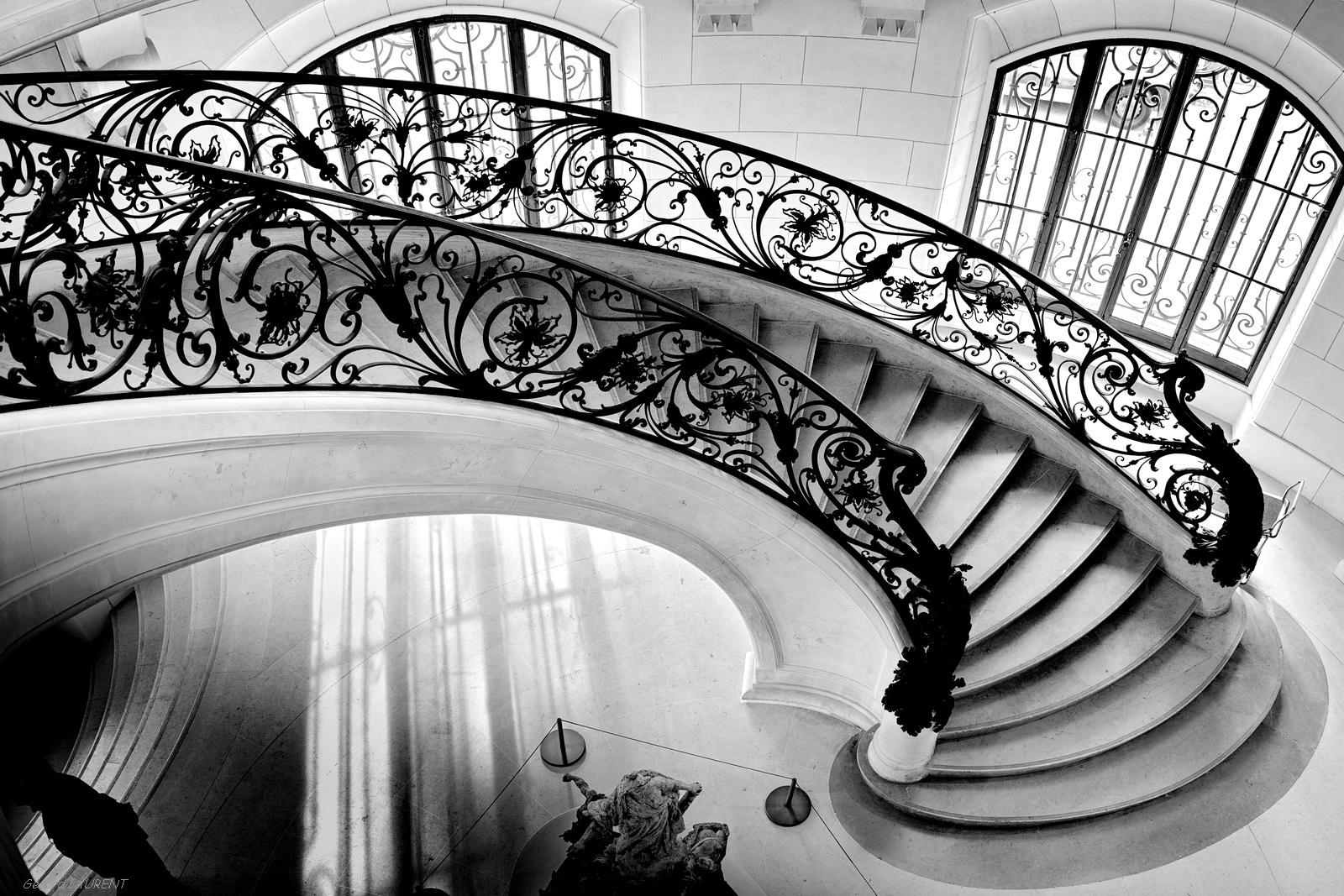 8ème arrondissement – L'escalier flottant du Petit Palais