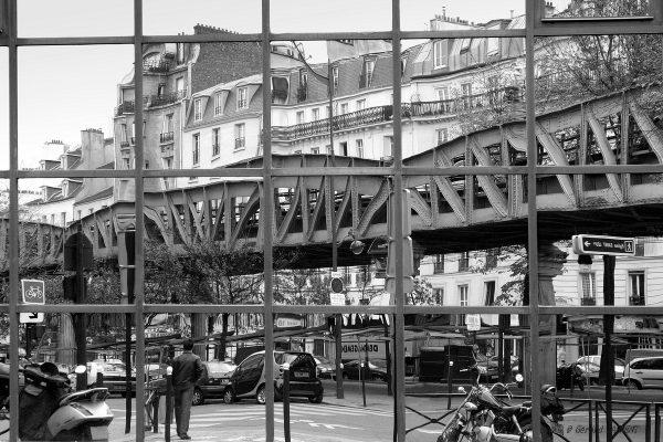 15e - Reflet du métro aérien à Dupleix