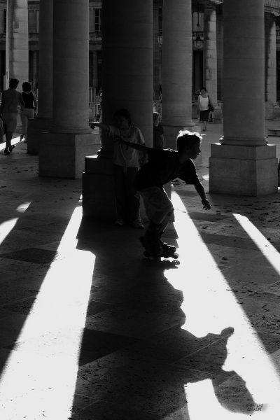 Les enfants du Palais Royal (@Gérard Laurent 2004)